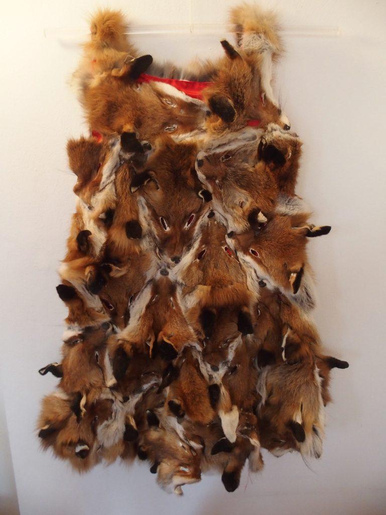 Kleid Nr.6 - Fuchsfelle, Stoff, handgenäht